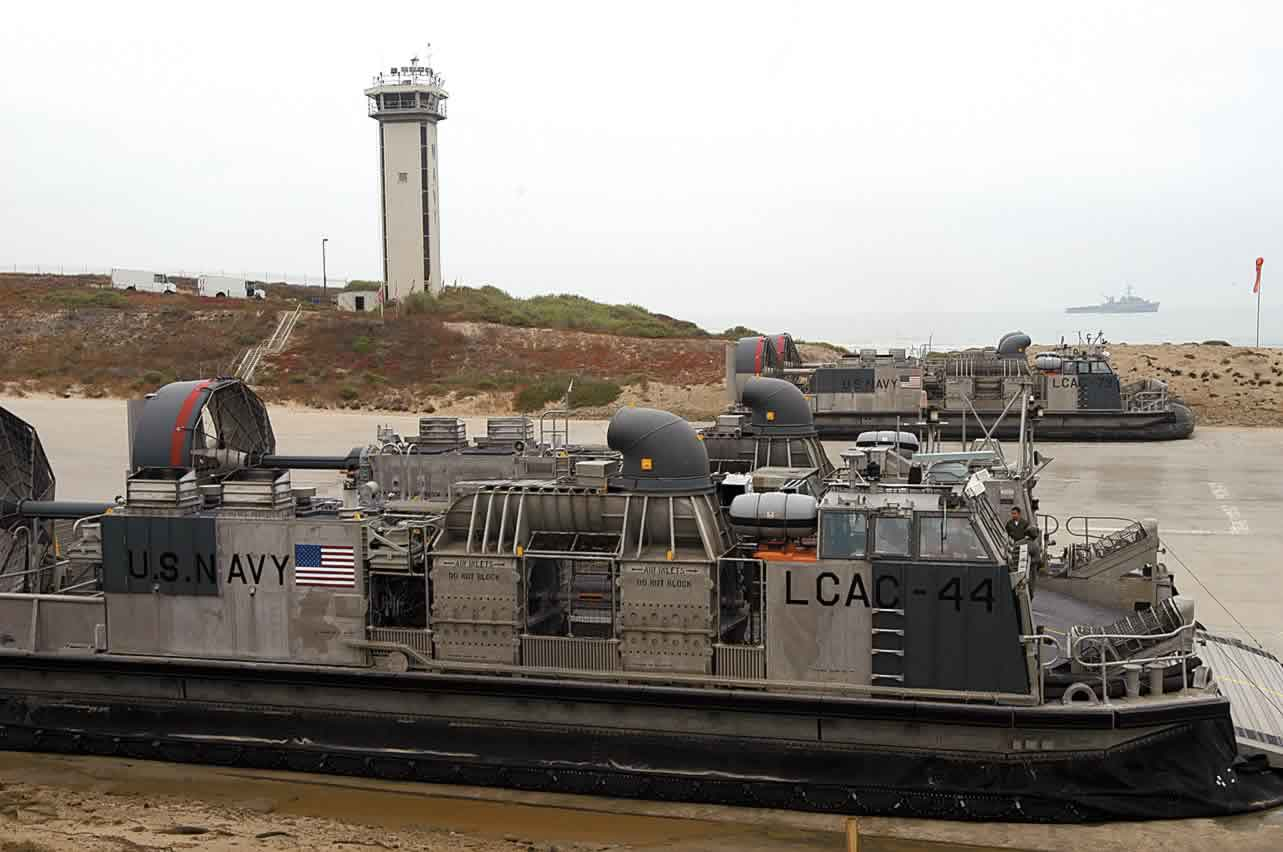 "USMC used hovercraft in Operation ""Iraqi Freedom"" - military hovercraft Links999."